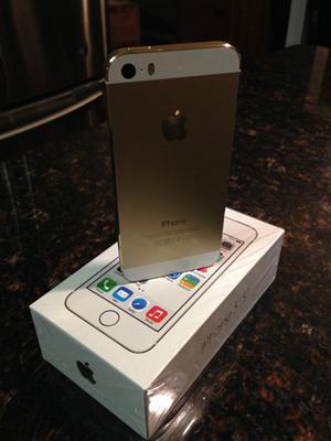 Apple iPhone 5s - 64GB - Gold (Factory Unlocked)