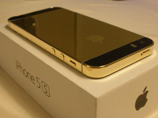 Apple iPhone 5s - 64GB - Gold (Unlocked) Smartphone,