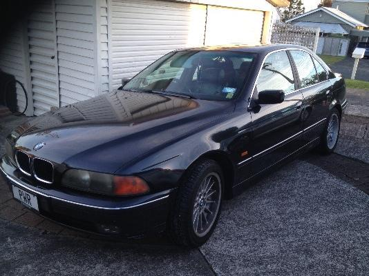 Black BMW 528i, Hauraki