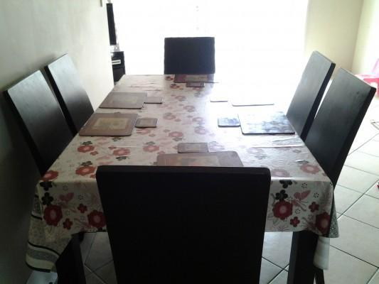 dinning tabel with 6 chair tabel clothand tabel Matt,