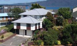 House for Sale in Waikanae Beach, Wellington. Asking price: 369000 USD. Bedrooms: 5. Bathrooms: 2. Features: Pet Friendly, Gym & Spa, Balcony, Terrace, Cable TV, Internet, Studio Room, Laundry Room, Garage, Parking, Garden, Ocean or Sea View, Mountain