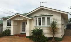 3 bedroom house with 1 bathroom.Spacious double bedroom